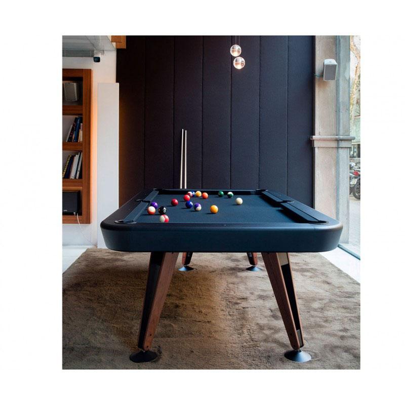 Dale vida a tu casa con una divertida mesa de billar en tu comedor