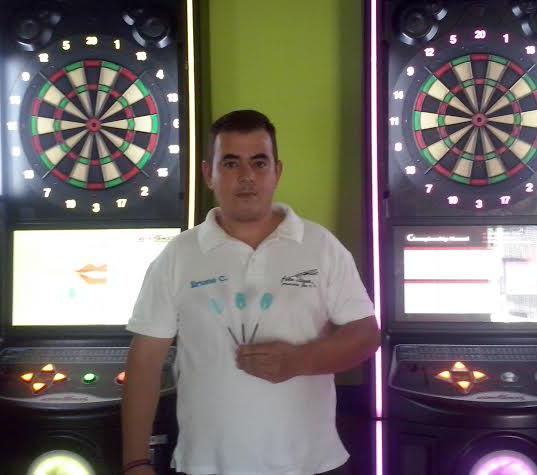 Jugador Dardos Bruno Portugal